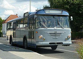 Historischer Gelenkbus