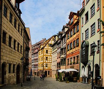 Oldtimerbus in der Nürnberger Altstadt