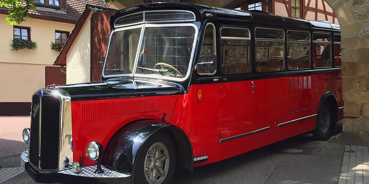 Einen Oldtimer bus mieten in Siegen
